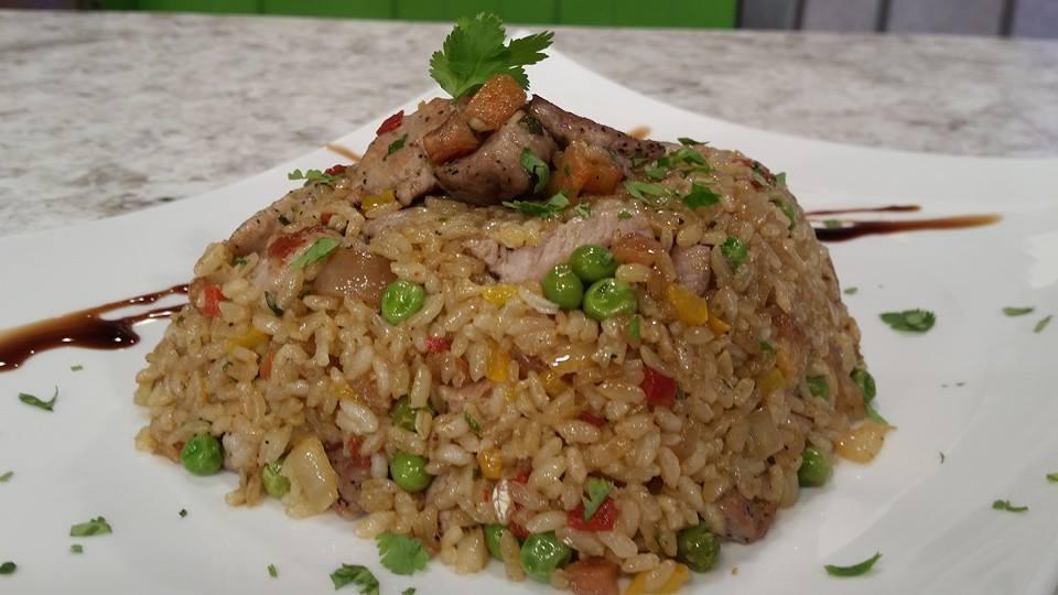 Arroz salteado con lomo de cerdo chef edgardo noel - Salteado de arroz ...